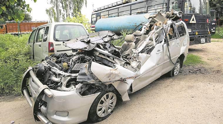 delhi, delhi accident, delhi road accident, delhi truck accident, delhi traffic accident, delhi news