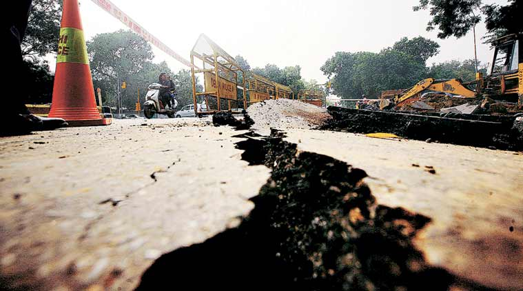 Rajkot Road Damaged, Roads Damaged Rajkot, Rajkot Municipal Corporation, Rajkot, Heavy Rains in Rajkot, Damaged Roads, India News, Indian Express, Indian Express News