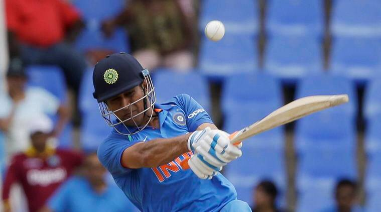 Mahendra Dhoni turns 36, birthday wishes pour in 'Mr. Helicopter'