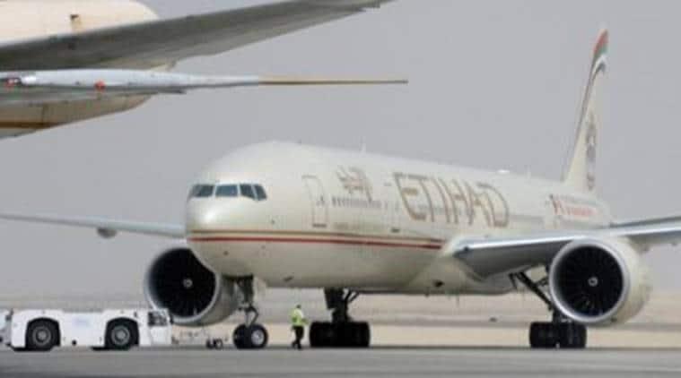 etihad airways, etihad aircraft, etihad landing, etihad accident, ture burst, mumbai airport, chhatrapati shivaji airport