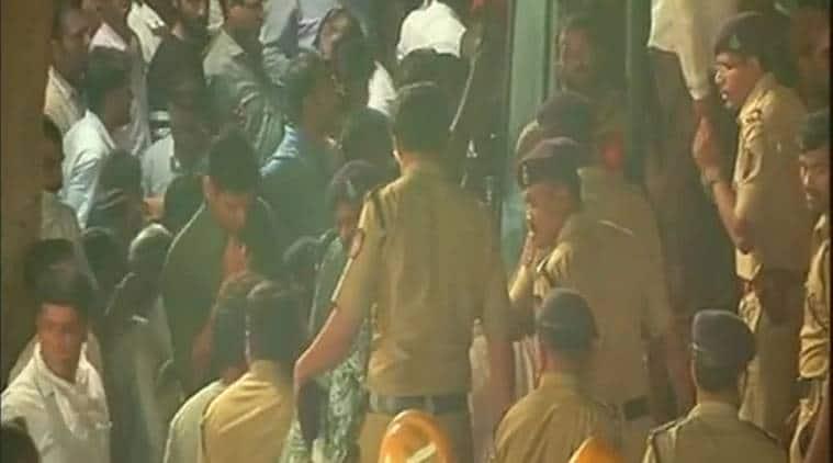 Ghatkopar building collapse: Relatives open doors to those left homeless; neighbours get meals