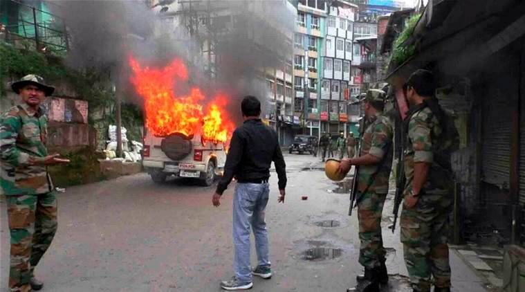 Pro-Gorkhaland supporters, cops clash in Darjeeling