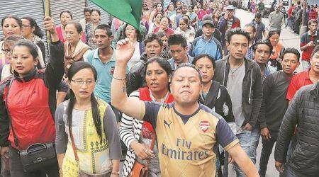 Darjeeling tense but incident-free on 18th day ofshutdown