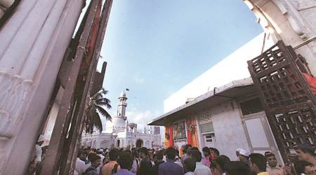 SC modifies order, protects Kinara mosque near Haji Ali shrine