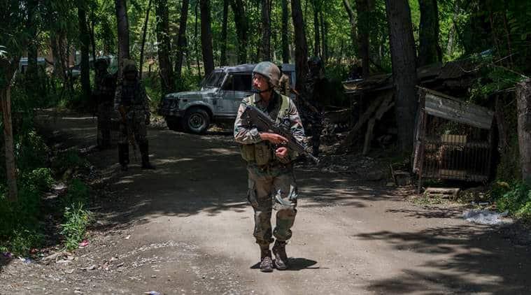 kashmir encounter, kashmir clash, militants killed, terrorists killed, kashmir terrorists, kashmir militants, pulwama encounter, army, indian express, india news
