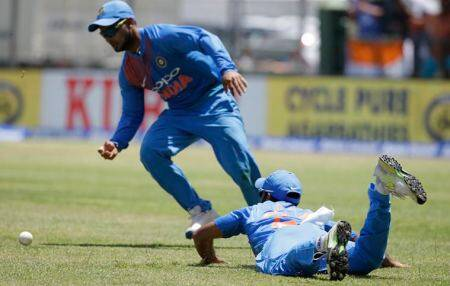 'Butterfingers' return to haunt India against West Indies