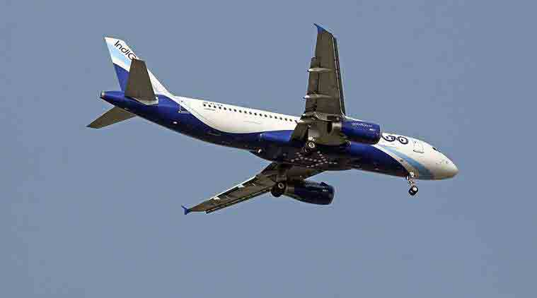 Indigo, Indigo airlines, Indigo flight, Indigo flight smoke, Indigo flight 6E-445