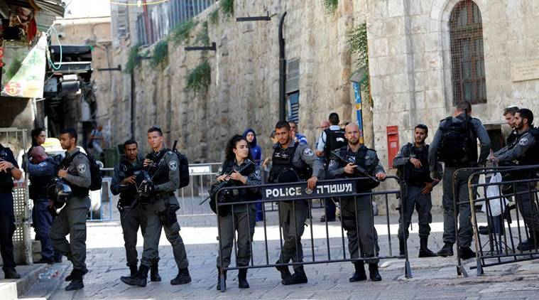 israel shooting, jerusalem shooting attack, jerusalem old city, palestine, gunmen shoot policemen, temple mount, jews, middle east news, indian express