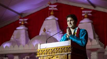 Canada PM Justin Trudeau performs puja at Toronto temple