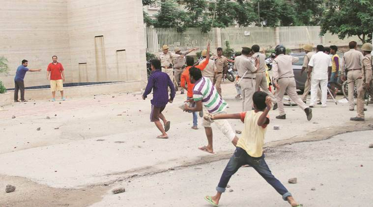 domestic help beaten, noida domestic help beaten, mahagun morderne maid beaten, maid beaten, noida sector 78 protest, maid protest, indian express news, delhi news