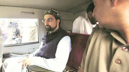 Kashmir separatists, Kashmir separatists protest, Kashmir separatists sit-in foiled, Mirwaiz Umar Farooq, Mohammad Yasin Malik , Mirwaiz arrested, Malik arrested, Kashmir, Jammu and Kashmir, india news, indian express news