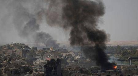 Iraq strikes Islamic State in Mosul days after declaringvictory