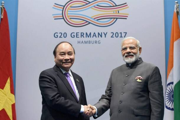 G20 Summit, Narendra Modi hand shakes, G20 leaders, G20 leader and Narendra Modi, G20 leaders news, India and G20 summit, India news, latest news