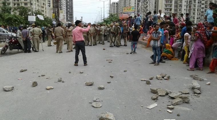 noida, noida society, Mahagun Moderne society, noida sector 78 society, noida mob, noida maid beaten, india news