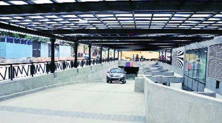 Gurgaon municipal body puts up 'parking-free' banner on malls