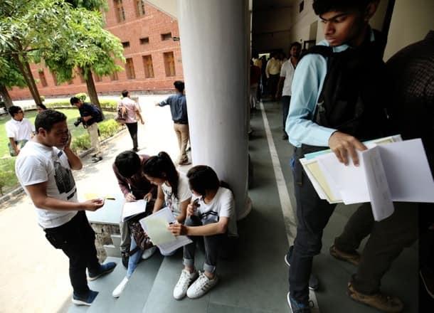 du, delhi university, du freshers, du cut off, du admission, du.ac.in, delhi university admissions 2017, du orientation day, du first day, du 1st day, north campus, education news