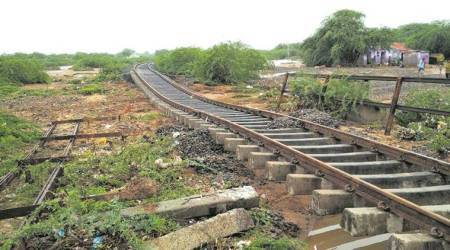 West Bengal: Timely detection of rail fracture averts mishap