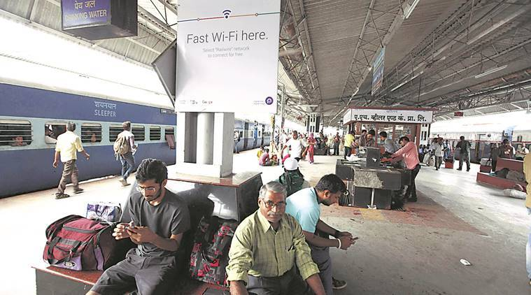 pune railway station, automatic vending machines, railway food, indian express