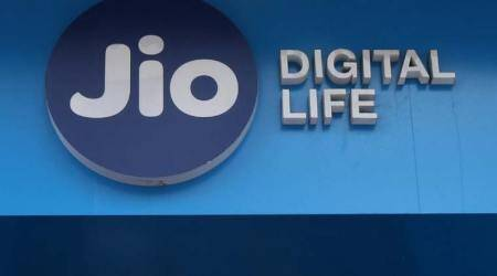 Reliance Jio plans to sell 200 million 4G feature phones in two years