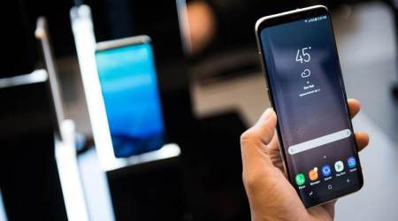 Samsung profits top estimates on chips, Galaxy S8 smartphone sales