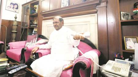 Sharad Yadav meets Rahul Gandhi, speaks to Arun Jaitley