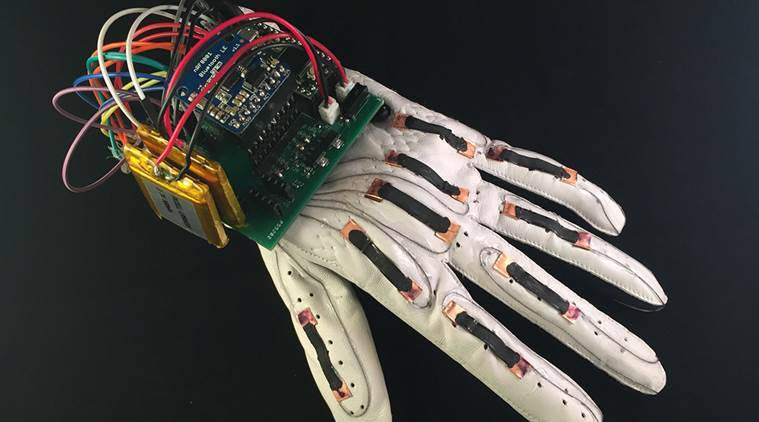 'Smart glove' can translate sign language