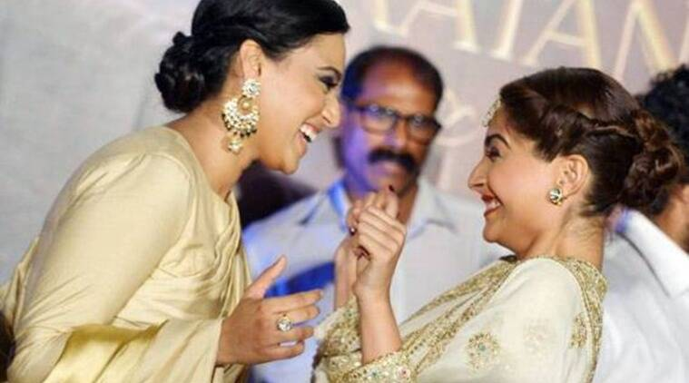 sonam kapoor, swara bhasker, veerey di wedding, sonam swara