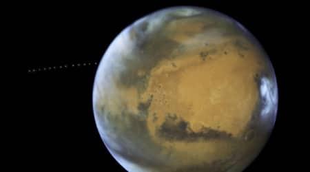 Hubble captures tiny Martian moonPhobos