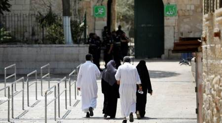 Israel removes Jerusalem metal detectors, Palestinians reject new measures