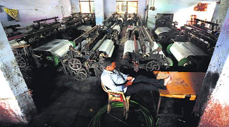 GST, Bhiwandi loom owners, textile industry in Bhiwandi, GST on textiles, indian express news