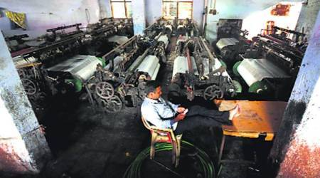 GST: Bhiwandi loom owners stare at unsold stock, workers at uncertainty