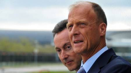 Airbus unveils leaner structure, confirms salesshake-up