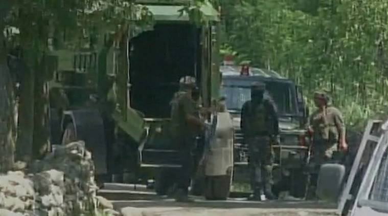 tral encounter, kashmir encounter, satora tral, jammu kashmir encounte, JeM