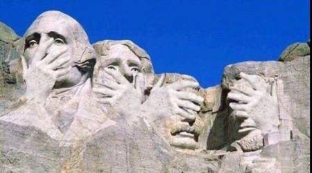 Donald Trump 'jokes' about his face on Mt Rushmore and Twitterati has the best response ever!