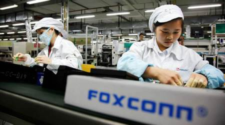 President Trump announces Apple supplier Foxconn to open US factory