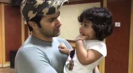 Varun Dhawan's this fan is a thief of hearts. Watch video