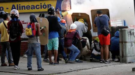 Clashes kill five as Venezuela crisis deepens ahead of vote