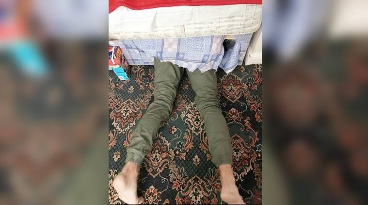 Wanted Man Tries To Hide Under The Bed To Escape The Police Plan