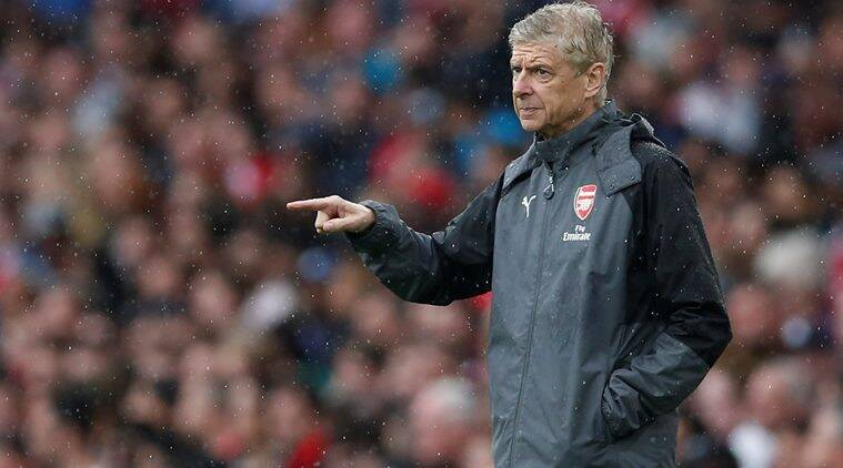 Arsene Wenger verbally abused by fan during Arsenal ...