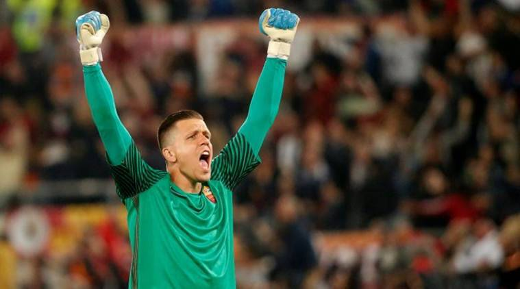 Arsenal goalkeeper Wojciech Szczesny arrives in Turin to complete Juventus move