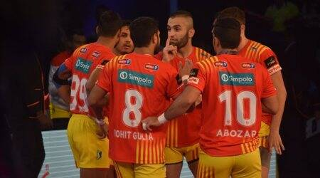 Pro Kabaddi season 5, Gujarat Fortunegiants, U Mumba, sports gallery, Kabaddi, Indian Express