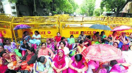 asha workers, angadwadi strike, asha angadwadi strike, asha workers strike, indian express news, mumbai news