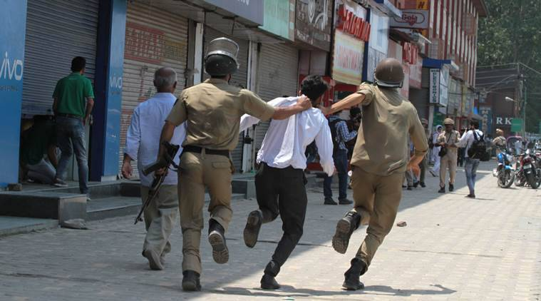 Kashmir: 'Non-locals roughed up' while attempting to hoist tricolour at Lal Chowk, say police