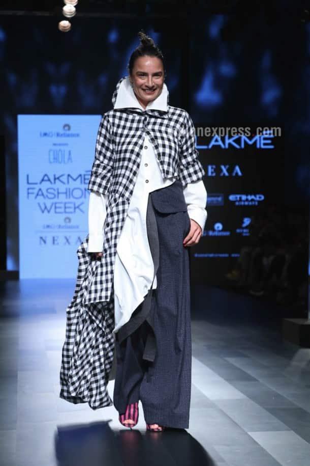 Disha Patani, Esha Gupta, Malaika Arora, et al add Bollywood bling to LFW ramp