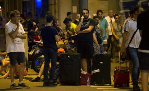 barcelona terror attack, barcelona van attack, barcelona terror attack, barcelona attack death toll, barcelona city centre, las ramblas, placa catalunya, spain van accident, barcelona news, latest news