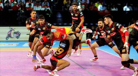 Pro Kabaddi 2017 Live Score, Bengaluru Bulls vs Jaipur Pink Panthers: Bengaluru 14 - 17 Jaipur in Lucknow