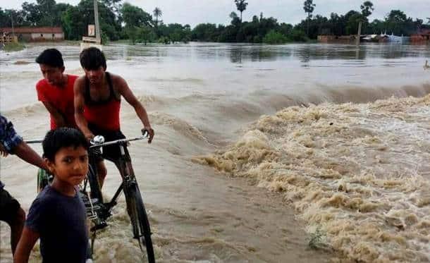 bihar floods, patna, bihar flood pics, bihar flood images, bihar flood photos, indian express