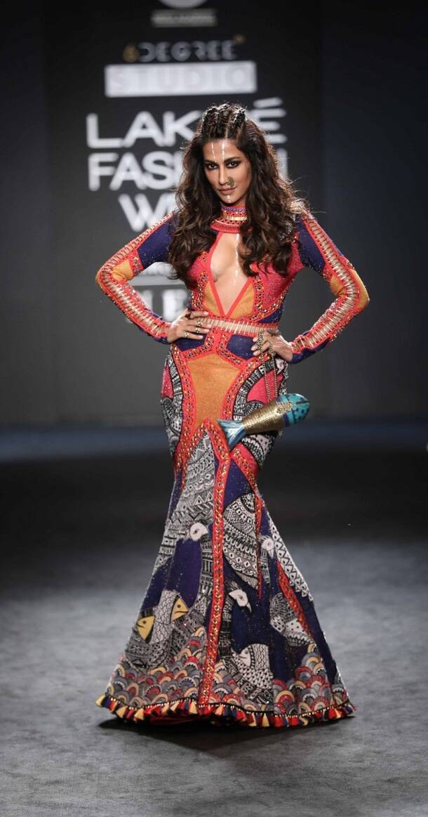 Disha Patani, Esha Gupta, Malaika Arora, et al add Bollywood bling to LFW ramp