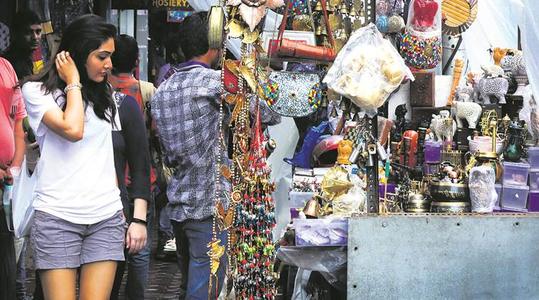 Colaba Causeway, Cotton Color, Tourist spots in Mumbai, Maharashtra news, Tourist in Mumbai, India news, national news