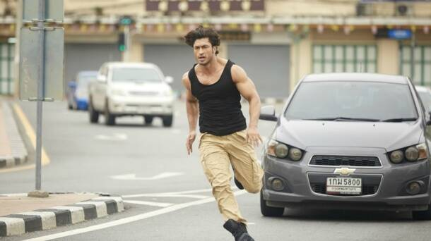 commando 2, commando 2 stills, commando 2 pics, commando 2 photos, commando 2 film